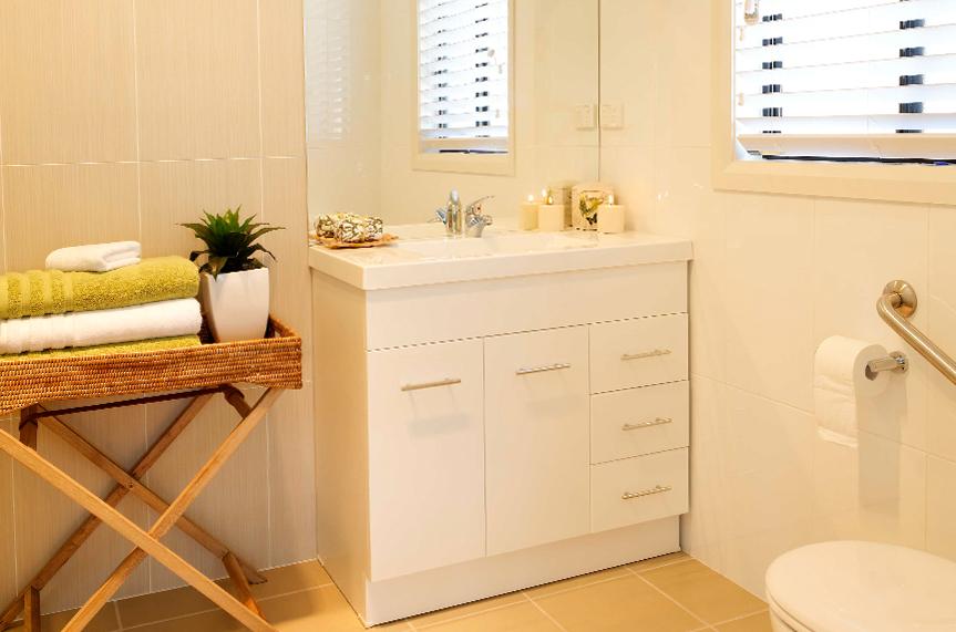 Burleigh_bathroom