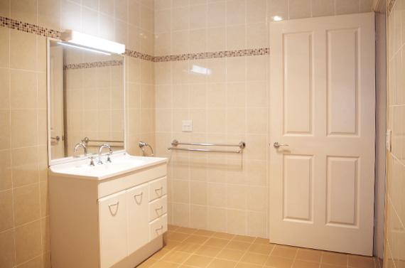 halliday_v45_Bathroom