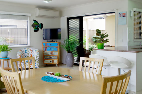 v126_Open Plan Living-Dining hallidays