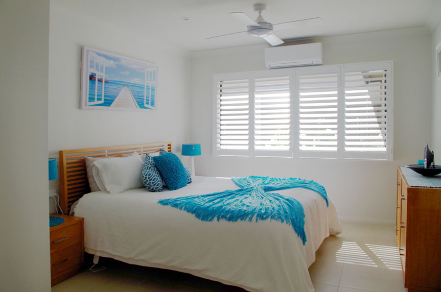 V187_Bedroom1_Hallidays