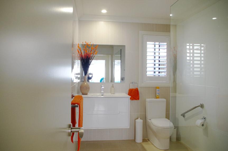 V_187_Bathroom_Hallidays